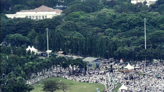 Reuni Akbar 212: Satu Dorongan ke Gerbang Istana, Maka Runtuhlah Pemerintah