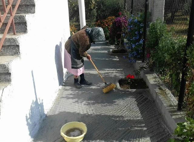 Η υπεραιωνόβια Πόντια που έκλεισε τα 104 χρόνια! Γεννήθηκε στον Πόντο και μαγειρεύει μόνο Ποντιακά!