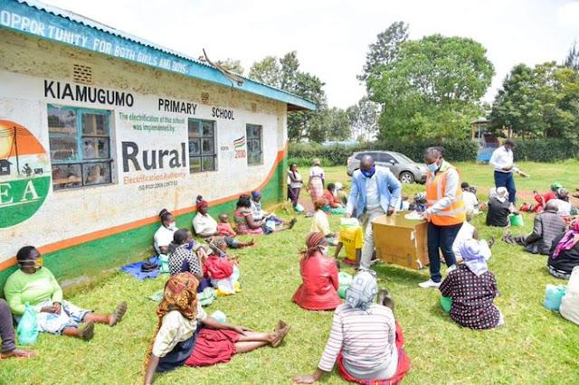 Governor Anne Waiguru meets Dr Ida Odinga and distribute relief food