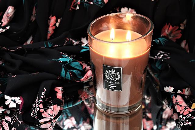 bougie vellutier havana cafe avis, bougie vellutier havana cafe, bougie parfumée au tabac, tobacco candle, havana cafe candle review, bougies parfumées vellutier, bougie vellutier avis, bougies, candles, home fragrance, blog sur les bougies, bougie parfumée à la cire végétale, bougie parfumée 2 mèches