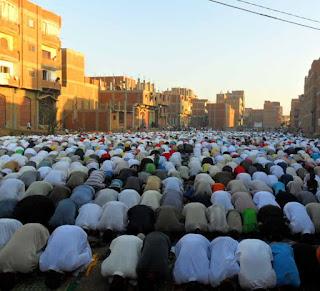 Hukum Imam Tayamun dan Musafir Jadi Imam