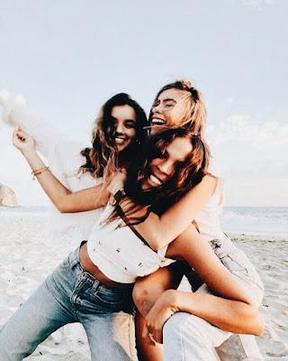 fotos de hermanas en la playa