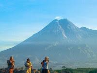 Mitos gunung merapi, salah satu gunung terangker di Indonesia