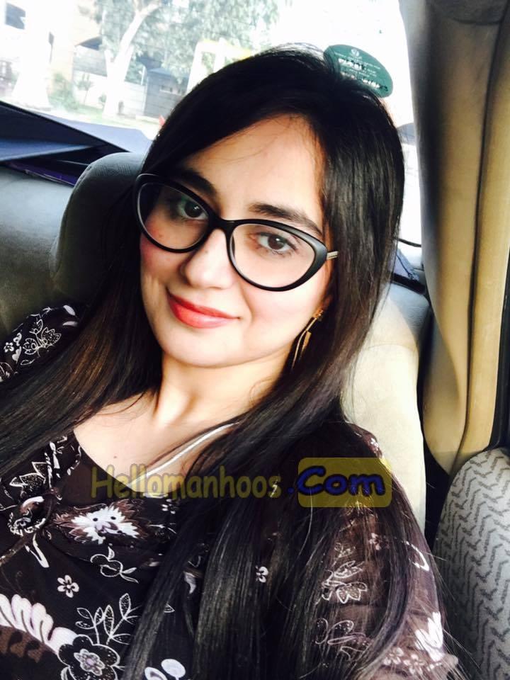 60+ Ayesha Jahanzeb Pictures - Family, Age, Husband, Kids, Wedding, Salary, Wiki Bio