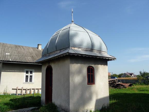 Лужани. Свято-Вознесенська церква. Каплиця