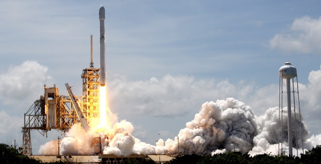 SpaceX launched the Bulgariasat-1 satellite at 3:10 p.m. EDT (19:10 GMT) on June 23, 2017. SpaceX also is planning on launching the Iridium Next Satellite 2 on June 25 – from Vandenberg Air Force Base in California. Photo Credit: Mike Howard / SpaceFlight Insider