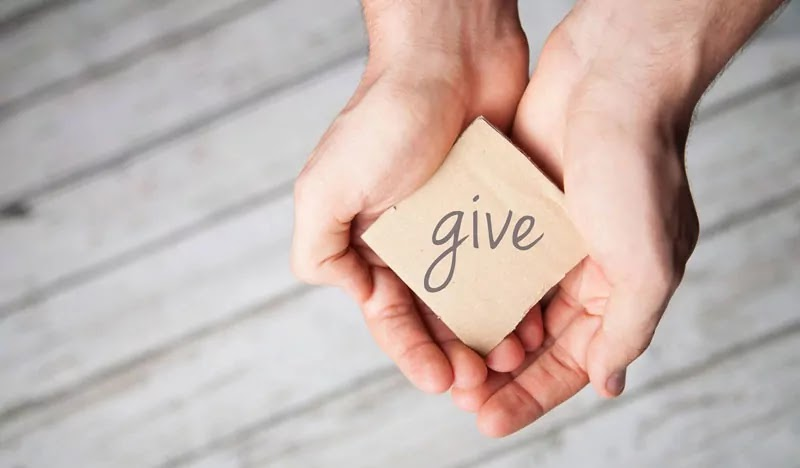 Rajin memberi pada orang lain