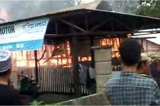 Kurang 10 Menit, Rumah Warga Ludes Terbakar di Lappariaja