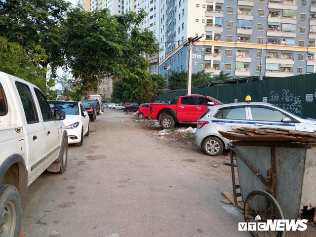 Giải tỏa bãi đỗ xe ở Linh Đàm và Kim Văn Kim Lũ - Ảnh 8
