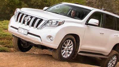 Toyota Land Cruiser Prado 2017 off road HD Pictures