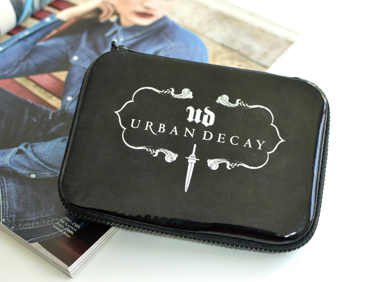 URBAN DECAY DANGEROUS PALETTE, URBAN DECAY DANGEROUS PALETTE REVIEW, URBAN DECAY DANGEROUS PALETTE SWATCH