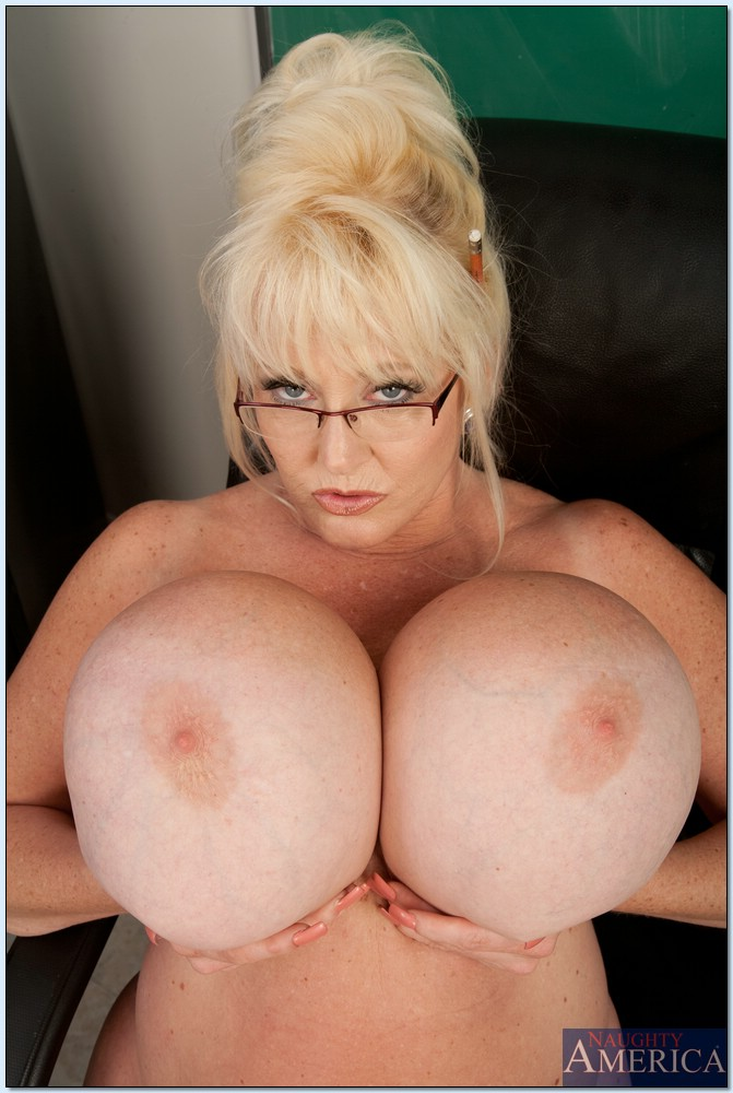 big boobs lovers com