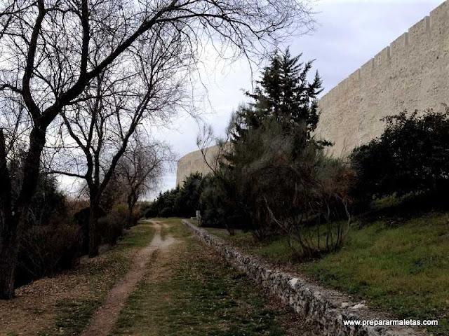 senda por la muralla de Cuéllar