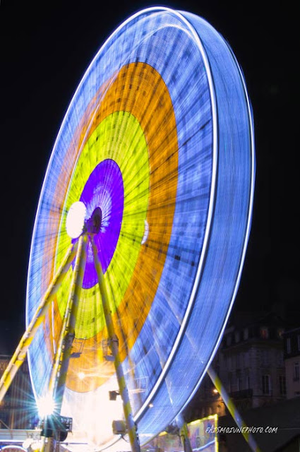 Photo de la grande roue en vitesse lente d'obturation