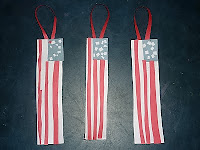 http://diycrafts9.blogspot.com/2016/07/fourth-of-july-bookmarks.html