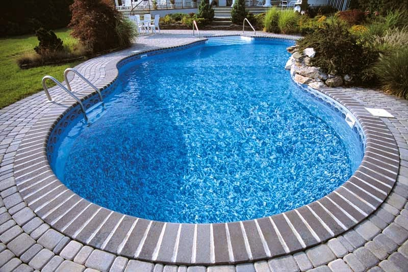 Piscine perpignan 66 aquazur piscine installation for Revetement piscine pvc arme