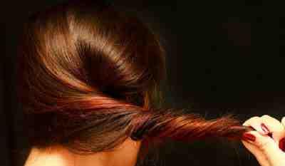 طريقة تنعيم الشعر بدون استشوار