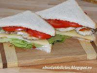 http://absolutdelicios.blogspot.ro/2015/06/sandwich-cu-piept-de-pui.html