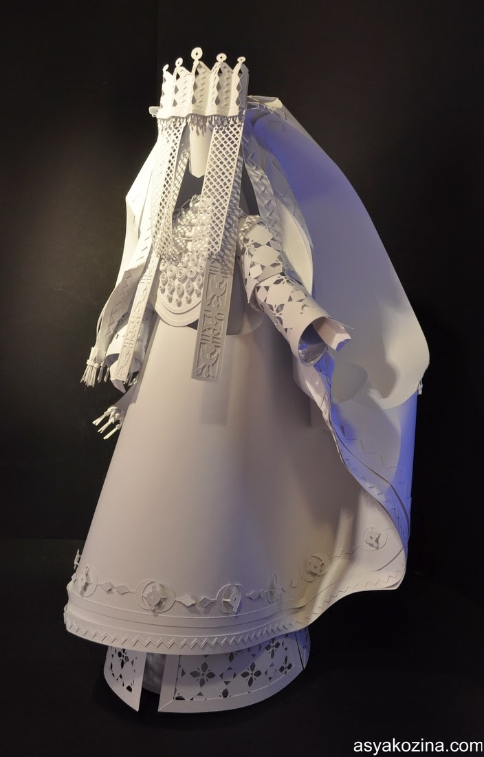 29-Paper-Wedding-Dolls-Asya-Kozina-Paper-Clothing-and-Dolls-www-designstack-co