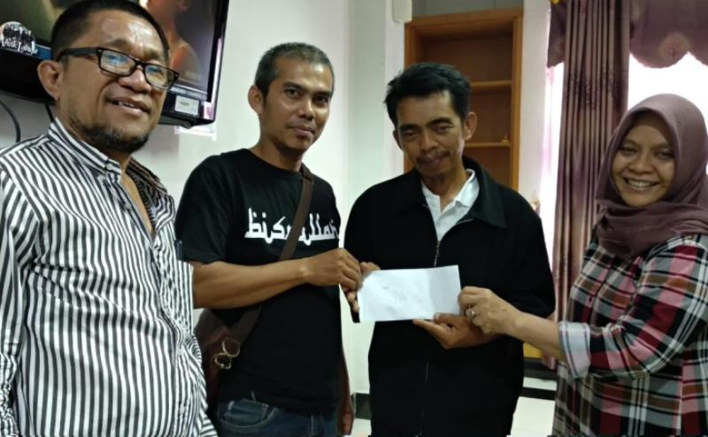 Penggalangan Dana Oleh Pengurus JMSI Riau Dilakukan untuk Membantu Pengobatan Anak Wartawan
