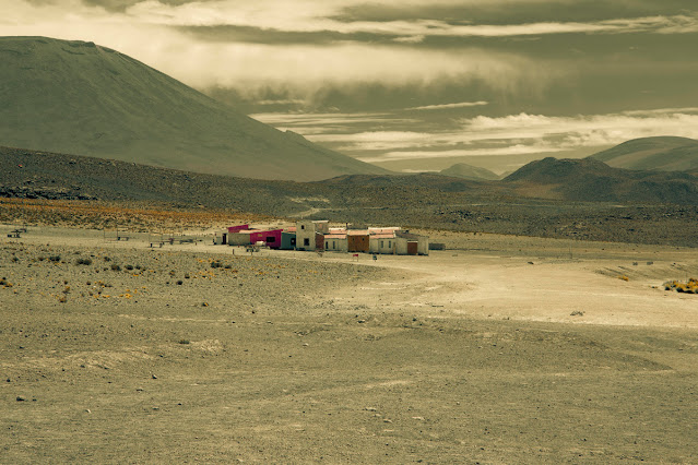 imagenes de parajes solitarios en las montañas, casas, pueblos,