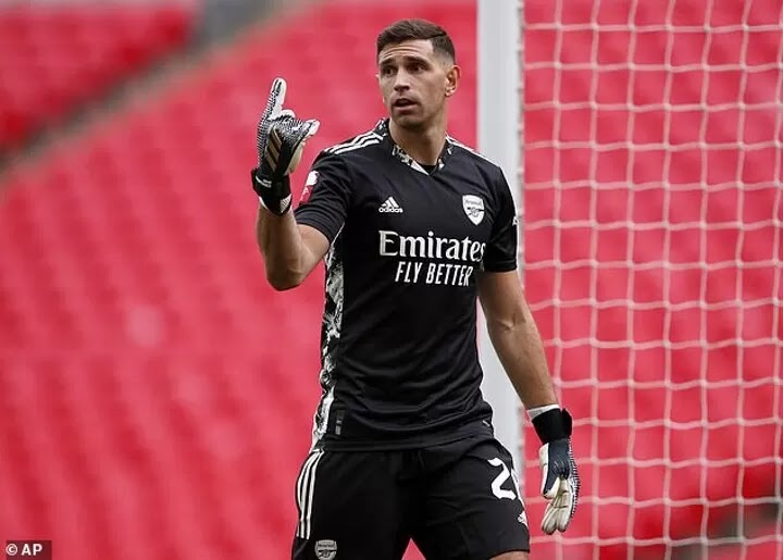 E.Martinez admits he 'stopped loving football' after six loans by Arsenal