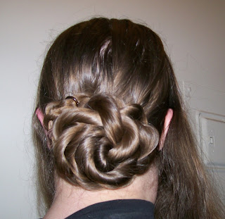 Rope chignon or coil (bun).
