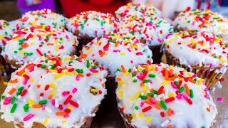 tetapi sangat sedikit orang yang menyadari berapa banyak gula yang mereka konsumsi 10 Bahaya Mengonsumsi Makanan Manis Terlalu Sering