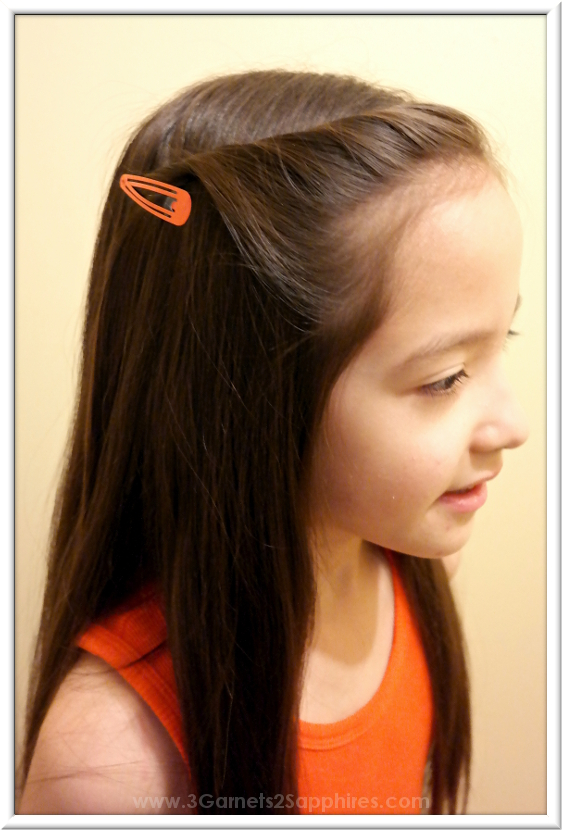 Easy #StraightAStyle hairstyle for back-to-school - 20 second hair twist