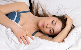 10 tips awet muda tidur nyenyak