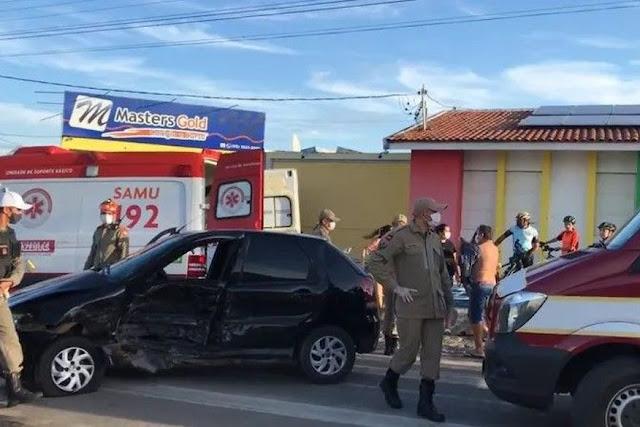 Colisão envolvendo dois veículos deixa pessoas feridas no Sertão da Paraíba
