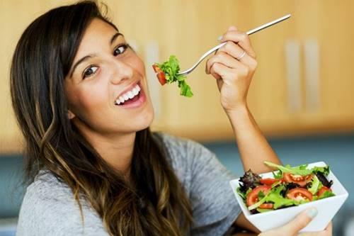 Para emagrecer, coma por apenas 6 horas do dia, esqueça a regra de comer de três em três horas