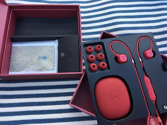 Aukey EP-B80: contenido de la caja