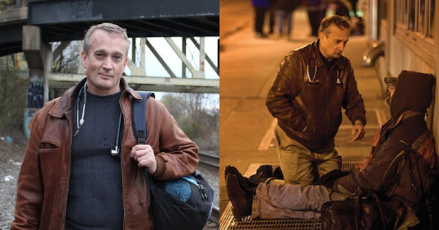 Γιατρός βγαίνει στους δρόμους κάθε βράδυ εδώ και 22 χρόνια για να παρέχει ιατρική περίθαλψη στους άστεγους