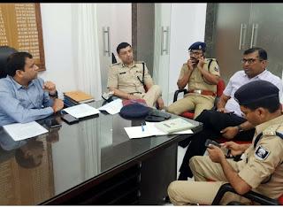 पटना के प्रमंडलीय आयुक्त ने की अधिकारियों के साथ उच्च स्तरीय बैठक