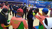 Pra PORA III Cabor Drum Band di Bireuen Berakhir, Sekda Ibrahim Ahmad Sematkan Medali Ke Atlet