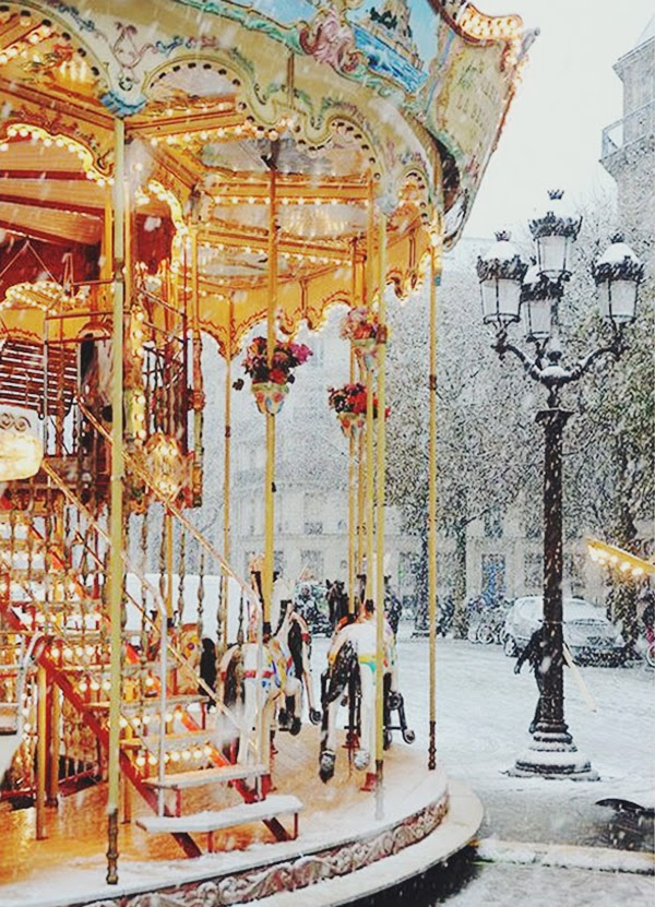 Paris carousel in the snow