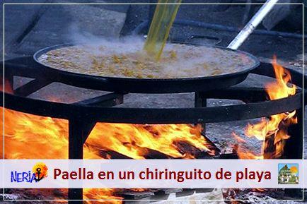 Podrá disfrutar de una paella realizada al fuego de leña en un chiringuito de la famosa playa de Burriana