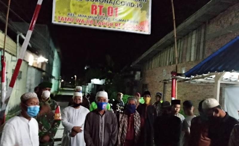 Camat dan Lurah Serah Terima 6 Unit Thermogan pada Pos Jaga Portal Jaya Mukti