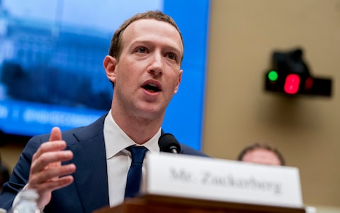 Facebook's Zuckerberg supports decision on encryption