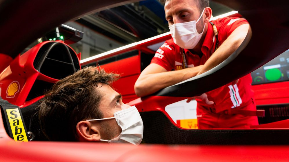 Leclerc confirma que dirigiu a versão inicial do carro 2022 da Ferrari no simulador - e diz que é 'muito diferente'