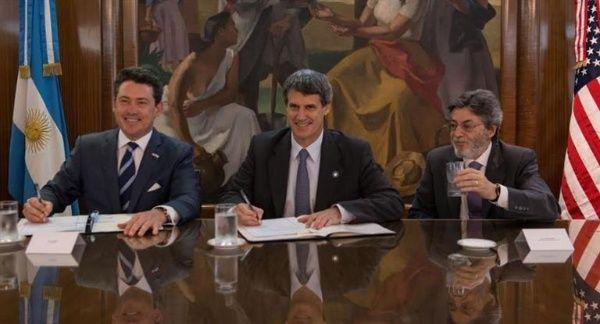 Argentina y EE.UU. firman acuerdo de información tributaria