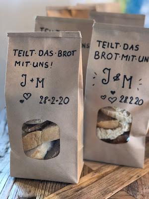 Brottüten, teilt das Brot,  Vintage Hochzeit, kleine Hochzeit, Standesamt, 4Eck Restaurant, Garmisch-Partenkirchen, 4 weddings & events, Hochzeitsplanung Uschi Glas, heiraten in Garmisch