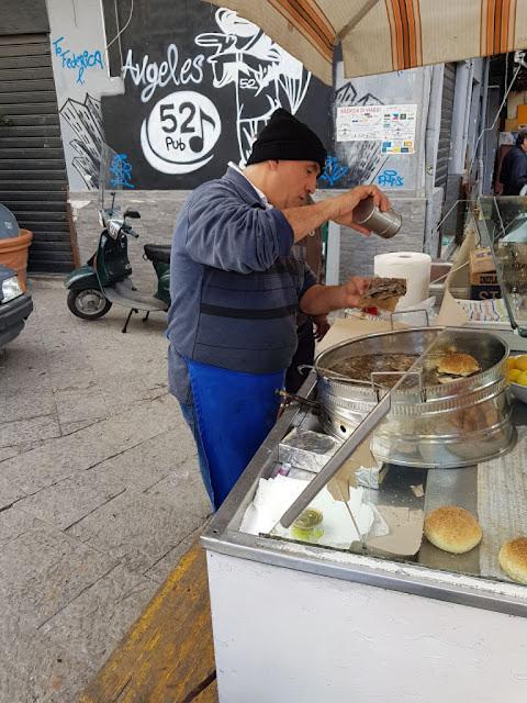 Venditore di pane con la meusa-Palermo