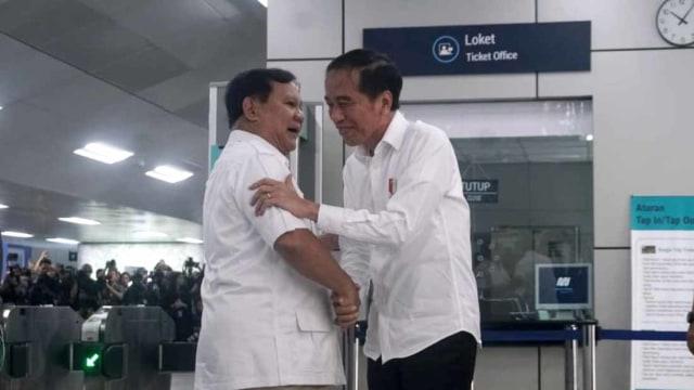 Nasib Rizieq Shihab Tak 'Muncul' di Pertemuan Prabowo-Jokowi