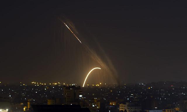 Des roquettes ont été lancées de Gaza vers Israël mercredi. Une trêve avec courtier égyptien devait entrer en vigueur le 14 novembre à 5 h 30, heure locale.