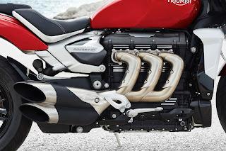 Motor Triumph Rocket 3 Dijual Di Indonesia, Mesinnya Lebih Besar Dari Toyota Fortuner