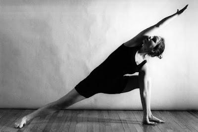 Yoga en el salón de casa