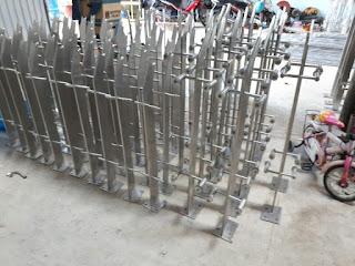 Cột cờ inox 304 cao 9m 10 m 11m 12m, cổng xếp inox 304 , cổng xếp sắt không ray kéo tay