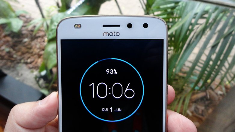 Download APK] Moto Display from Moto X4 ported to other